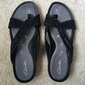 clarks crisscross black sandal